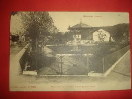 N°0697 VOSGES 88. GRANGES. MONUMENT ET KIOSQUE PLACE ETIENNE SEITZ. - Granges Sur Vologne