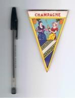 Mini Fanion En Tissu (style Toile Cirée ) - Région Champagne -  Tourisme, Voyage, Vacances,... ( Fr83) - Publicité