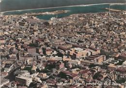 CATANIA - DALL'AEREO - SCORCIO PANORAMICO ED IL PORTO........C7 - Catania