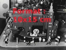 Reproduction D'une Photographie Ancienne D'une Attraction Du Train Fantôme Fabriquée En Lego En 1981 - Riproduzioni