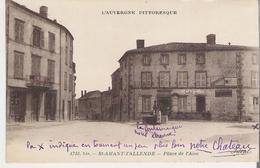 SAINT AMAND TALLENDE. CP Voyagée  Place De L'Aise - France