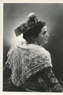Costume, Reine D'arles - Costumi