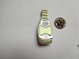 Superbe Pin's , Eau Minérale Perrier , Arthus Bertrand - Arthus Bertrand