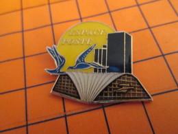 512d Pin's Pins / Beau Et Rare : Thème POSTES / LA POSTE ESPACE POSTE CNIT LA DEFENSE - Mail Services