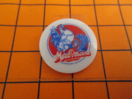 513e Pin's Pins / Beau Et Rare : Thème ANIMAUX / VOLAILLE COQ POULE MALVOISINE Pin's En Céramique - Animaux