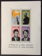 BF25 Cameroun Bloc Feuillet 5 Apôtres Non Violence Gandhi Martin Luther King John Et Robert Kennedy - Cameroun (1960-...)