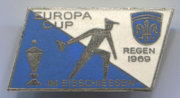 VINTAGE CURLING EISSCHIESSEN EUROPA CUP REGEN 1965 ENAMEL PIN BADGE!!! - Wintersport