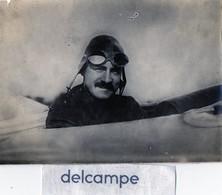 AVIATION - Photo Authentique -  Aviateur Dans Son Cockpit   (nom à Determiner) - Aviation