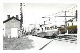 LAROCHE MIGENNES - La Gare, Autorail Billard, Photo Format 13,1cm X 8,9cm. - Eisenbahnen