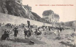 Granville (50) - Jeux D'Enfants Sur La Plage - Granville