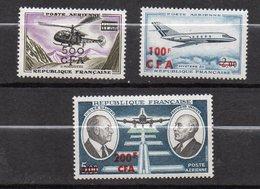 REUNION --  Poste Aérienne  --Lot De 3 Timbres  N° 60- 61 Et 62  --Neufs--gomme Intacte--cote 26€ ......à Saisir - Réunion (1852-1975)