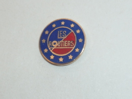 Pin's LOGO LES ROUTIERS A - Transports