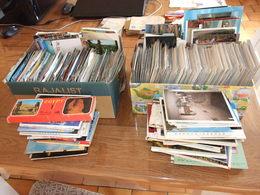 MONDE GROS LOT DE PLUS DE 2000 CARTES POSTALES QUELQUES FRANCE SEMI MODERNES MODERNES 52 CARNET DEPLIANT 50 GRAND FORMAT - Postcards