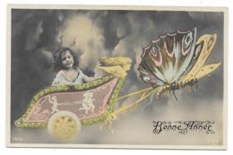 Bonne Année, Papillon Tirant Un Char Avec Petite Fille, Couleur - Portraits