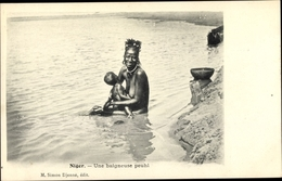 Cp Niger, Une Baigneuse Peuhl, Mutter Mit Säugling - Cameroun