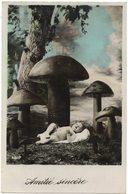 FANTAISIE SURREALISME PHOTOMONTAGE : AMITIE SINCERE AVEC BEBE ET CHAMPIGNON GEANT - Mushrooms