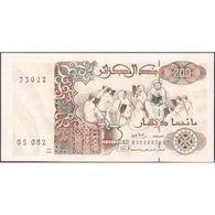 TWN - ALGERIA 138b - 200 Dinars 21.5.1992 UNC - Algeria