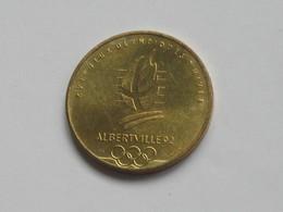Médaille GRENOBLE 1968 - XVI JEUX OLYMPIQUES D'HIVER - ALBERTVILLE 92  **** EN ACHAT IMMEDIAT **** - Profesionales / De Sociedad