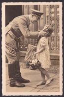 AK Propaganda / Der Führer  / Die Kleine Gratulantin / Gelaufen 1940 - Weltkrieg 1939-45