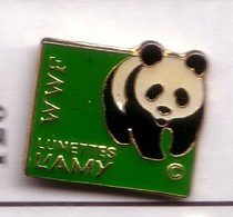 BB120 Pin's OURS PANDA  WWF LUNETTES LAMY Bear Achat Immédiat - Animaux