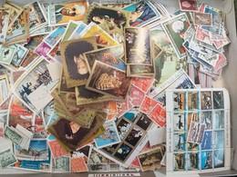 LOT N° E128 MONDE Un Vrac De + De 2000 Timbres Obl. - Collezioni (senza Album)