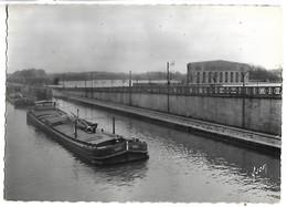 PENICHE - SAINT QUENTIN - Le Canal De St Quentin - Péniches