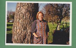 DORA DOLL Original Signed Glossy Photo AUTOGRAPHE / AUTOGRAMM  10/15 Cm - Autographes