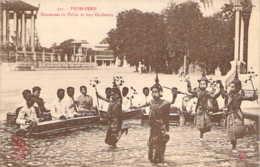 CAMBODGE Danseuses  Du Palais Et Leur Orchestre à PNOM-PENH - Cambodge