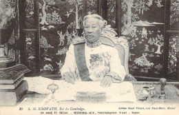 CAMBODGE Sa Majesté SISOWATH Roi Du Cambodge à Sa Table De Travail - Kambodscha