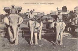 CAMBODGE Les éléphants Devant Les Ruines D'ANGKOR-VAT - Cambodge