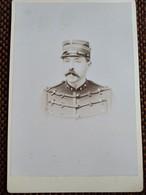 CDV Format CABINET - CAPITAINE - Officier De Artillerie - 4 Sur Col - Dos Muet - TBE - War, Military