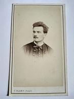 CDV  ORAN - Portrait De Jeune Homme - Photo C. Klary Correspondant De Nadar à Oran - Circa 1880 - TBE - Photographs