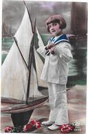 CPA COLORISEE FANTAISIE - Adorable Enfant Et Son Voilier  - 290120 - - Babies