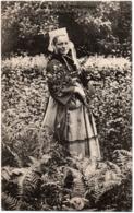 CPA 56 - GUEMENE (Morbihan) - 1102. Jeune Fille De Guéméné (costume) - A. Waron - Guemene Sur Scorff