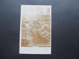 1. WK Foto (original) Soldatenfriedhof Mit Vielen Gräbern Ort ? - Krieg, Militär