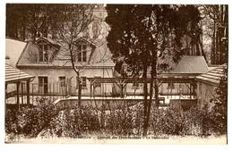 CPA 78 VERSAILLES Couvent Des Franciscaines - La Basse-cour - Versailles