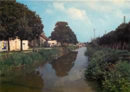 SAINT AMAND MONTROND  Les Bords Du Canal  20   (scan Recto-verso)MA2025Bis - Saint-Amand-Montrond