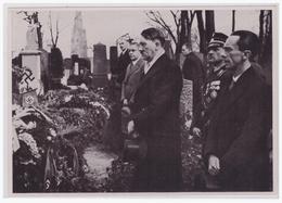 Dt.-Reich (002200) Propaganda Sammelbild, Deutschland Erwacht, Bild 120, Adolf Hitler Und Dr. Göbbels - Briefe U. Dokumente