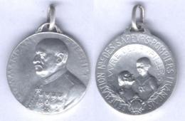 Médaille Du Commandant Guesnet - œuvres Des Pupilles Des Sapeurs Pompiers - Pompiers