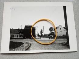 Brugelette Carrefour  Route De Mons Ath Photo Originale  1954 - Cartes Postales