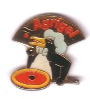 AN167 Pin's Pingouin Penguin Albertville Tarte Savoie Toque Cuisinier AGRIGEL  Aubière Puy-de-Dôme Achat Immédiat - Animaux