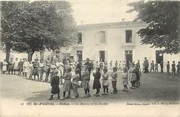 - Dpts Div.-ref-AP892- Charente Maritime - Ile D Oleron - Dolus - La Mairie Et Les Ecoles - Ecoliers -cliché Braun N°389 - Ile D'Oléron