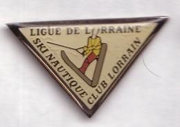 AA307 Pin's Ski Nautique Club Lorrain LIGUE LORRAINE Fontenoy-sur-Moselle Lay-Saint-Christophe Toul  Achat Immédiat - Ski Nautique