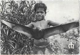 Missions Maristes D'Océanie - Nouvelle Calédonie: Enfant à La Roussette, Chauve-souris - Carte N° 31 Non Circulée - Missions