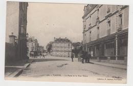 AC649 - VANNES - La Poste Et La Rue Thiers - Vannes