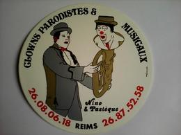 AUTOCOLLANT ORCHESTRE CLOWNS PARODISTES ET MUSICAUX NINO PASTEQUE 51 REIMS - Andere Verzamelingen