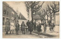 38 Isère - Vezeronce La Grande Rue Animée Ed Photo Maurein Morestel - Other Municipalities