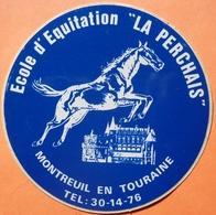 AUTOCOLLANT STICKER - ECOLE EQUITATION LA PERCHAIS - MONTREUIL EN TOURAINE 37 - HIPPISME - Autocollants