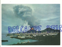 Islande. Eruption Du Heimaey. Vestmannaeyjar. The New Volcano And The Ancient Volcano Helgafell (right) - Islande