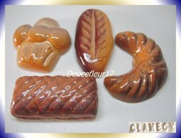 Clamecy ... Viennoiserie Tradition ... 4 Fèves ... ( Boite 6) - Anciennes